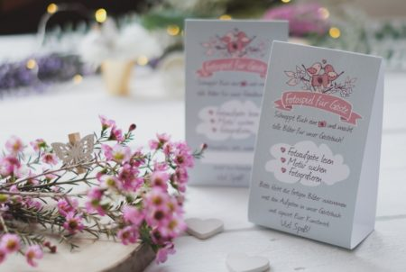 """Tischaufsteller """"Hochzeit"""" mit Kurzanleitung fürs Fotospiel"""